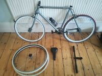 SE Bike Frame, 3 Wheels and other parts (spare parts, perfect for a project!)