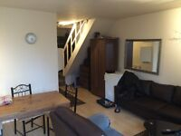Twin room to share one France gentlemen,Amazing garden,living room,all inclusive
