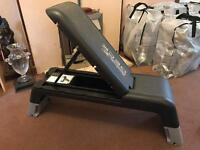 Reebok step deck and bench in very good condition