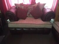 URGENT!! [BRAND NEW] - Traditional Modern Sofa 3+2 only £600!
