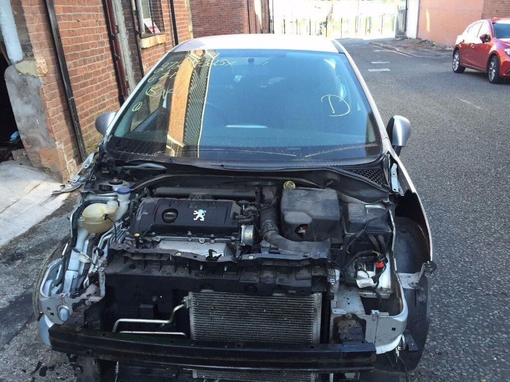 PEUGEOT 207 1.4 VALVE DAMAGED SALVAGE BREAKING SPARE PARTS 2006-2012
