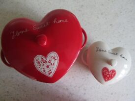 ASHLEY THOMAS AT HOME CASSEROLES HEART SHAPE SET OF 2 UNUSED