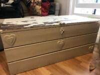 Vintage Shabby Chic wooden trunk