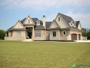 $829,900 - Country home for sale in Leamington