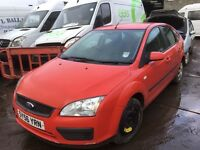 Ford Focus 2006 diesel spare parts available -seat - light - mirror