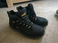Dewalt work boots size 9