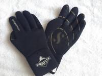 Scubapro diving gloves- SOLD