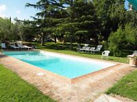Holidays in Tuscany with swimming pool at La Loccaia in the heart of Tuscany