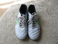 NIKE TIEMPO FOOTBALL BOOTS, SIZE UK 8