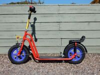 Unique 'PUKY' large kids scooter