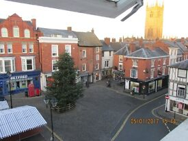 Ludlow town centre Grade 11 one bedroom apartment close to shops , restaurants , castle etc