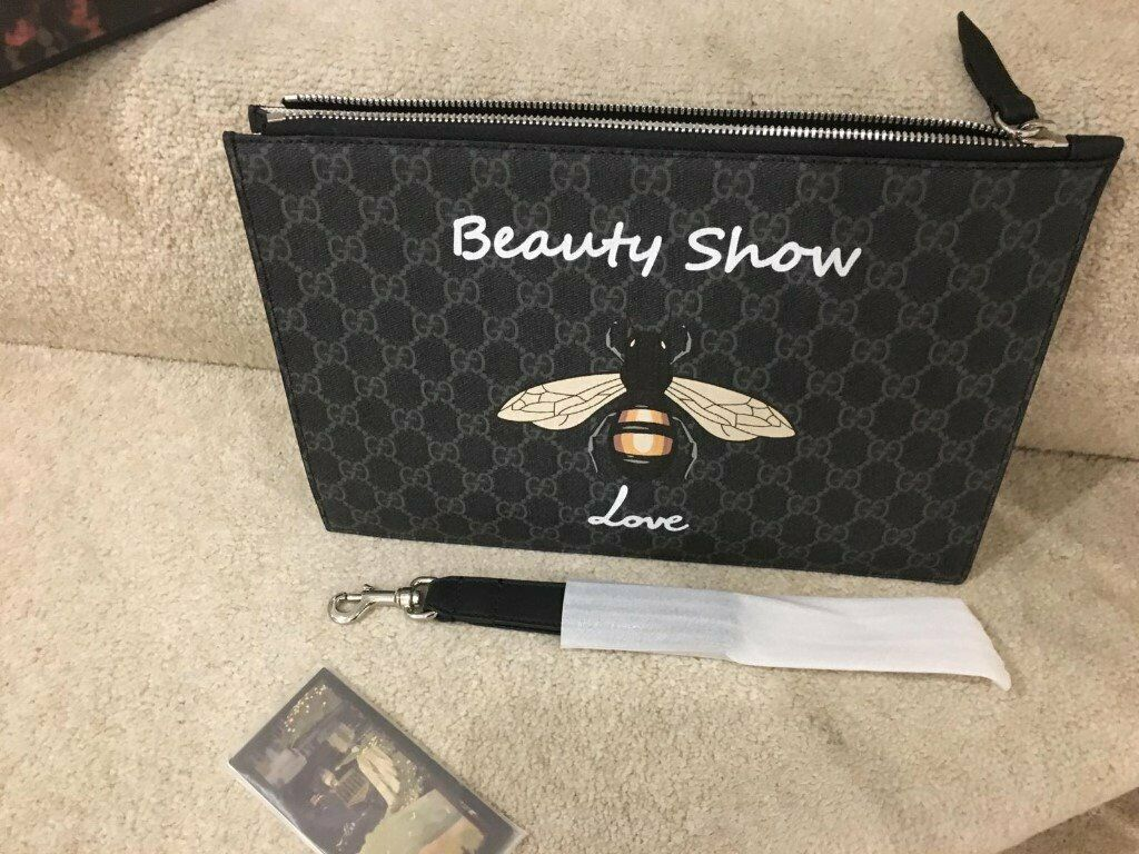 5f22ab1e86dd40 Gucci Clutch Unisex comes with dust bag n box | in Westminster ...