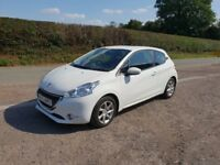 Peugeot 208 from one lady owner