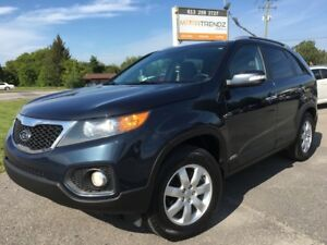 2013 Kia Sorento LX AWD with Heated Seats, Bluetooth and much...