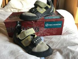 Scarpa Force climbing shoes size 4 (37) excellent condition