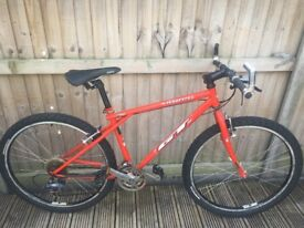 GT Tequesta Retro Mountain Bike Shimano