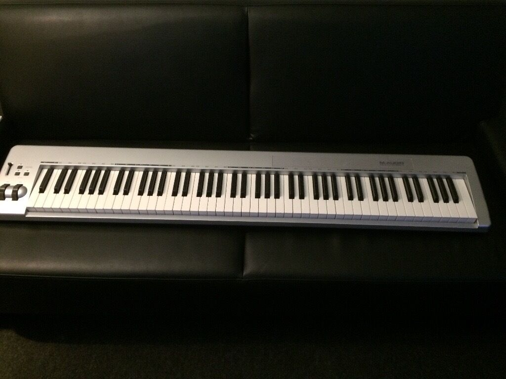 M-Audio 88es 88 key USB midi controller keyboard+ Stand+ foot controller