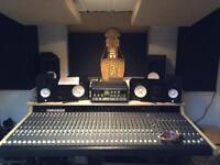 Soundtracs MRX32 Mixing Desk