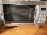 900 w Microwave, grill and oven