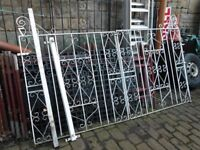 DOUBLE DRIVEWAY GATE IN WHITE