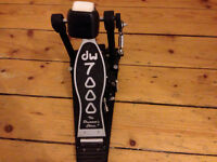 DW 7000 Single Kick Drum Pedal used but excellent condition