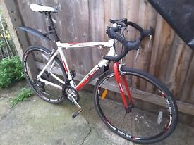 bicycle Vertigo Carnaby 700c Unisex Road Bike