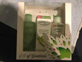 Simple gift set