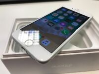 Apple iPhone 7 - 128GB - Silver Edition - Network Unlocked - ONLY £305 - Boxed - Excellent Condition