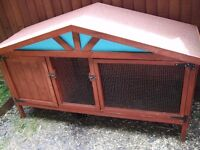 Large rabbit or guinea pig hutch