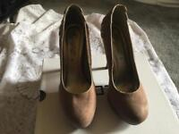 New look ladies heels shoes suede beige Size 6/39 Used one time £7