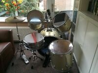 FULL SIZE DRUM KIT - USED CONDITION IDEAL AS STARTER PRACTICE KIT