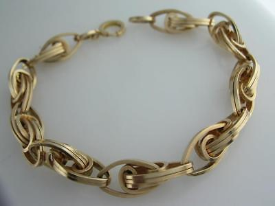 (Vintage 14k Gold Charm Bracelet w/ unusual interlocking oval links)
