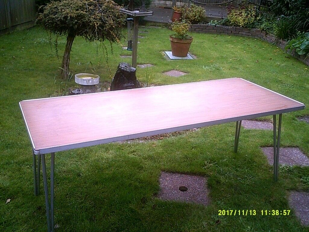 FOLDING TABLE - COMMERCIAL PASTING/CARBOOT/CONFERENCE