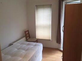 *HURRY UP!!!* SINGLE ROOM TO-LET JUST 125PW ONLY 15MINS TO LIVERPOOL ST**