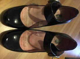 Kurt Geiger Womens Size 4 Black Patent Heels