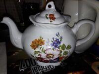 Teapot - vintage floral design