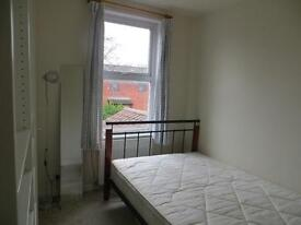 Double room in 3 bed house in St. Paul's £300 a month.
