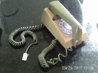vintage phone green and cream fully working 07985733189 30.00 ovno
