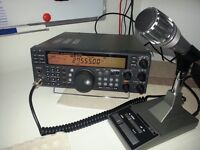Kenwood TS570 DGE + MC60 mic.