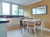 Newly Refurbished Split Level 4 Bed Flat Ideal For Sharers Mins Away From Clapham Junction Station