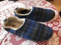 Men's Slippers Size 11 - brand new