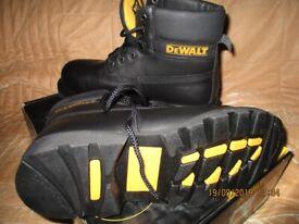 1 pair of black DeWALT safety boots Size UK 9, EUR 43