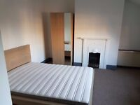 Large Double Rm available for singles or couples/ friends sharing