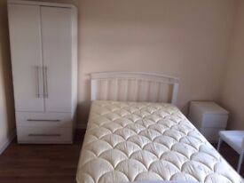 Newly furnished single room @ £500 at Grange road, Not for couple! GU2 9QQ
