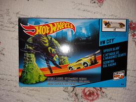 Hot Wheels City Spider Slam playset – Brand new, unopened item.