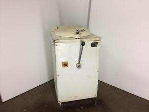 Hydraulic Dough Divider - 20 Pc. - iFoodEquipment.ca
