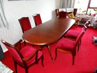 Extendable dining table and matching chairs for 6