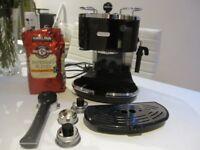 De Longhi Delonghi Espresso Coffee Machine - Black Key in good condition