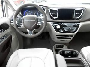 2017 Chrysler Pacifica Touring-L Regina Regina Area image 15