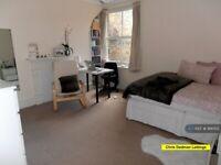 2 bedroom flat in Putney House, London, W1W (2 bed) (#918002)